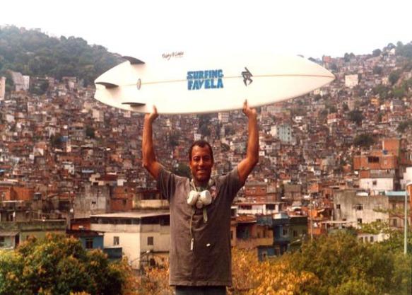 Surfing Favela II